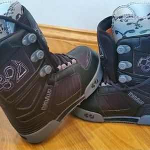 NWOB, Size 2, Thirty Two youth snowboard boots